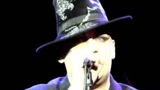 Boy George - Unfinished Bussinezz (live)