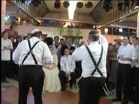 ריקוד החתונה: אבולוציה של שימחה!