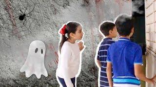 Hola amigibbys!!! Ahora que estamos en Octubre quise hacerles una mini película de misterio, suspenso, espanto  ya que muchos en este mes celebran Halloween
