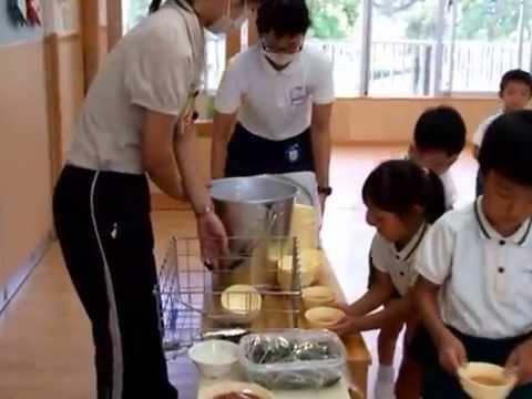 140909福岡県・久留米あかつき幼稚園「給食の様子&年少児の運動会練習」