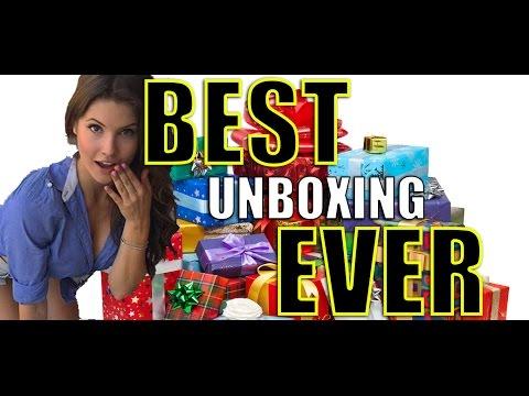 UNBOXING XMAS PRESENTS! | Amanda Cerny