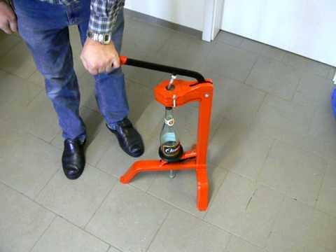 Standkorkmaschine von www.gastro-brennecke.de