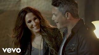 Llueve Alegría - Alejandro Sanz (Video)