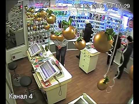 Налетчик с электрошокером напал на продавца салона связи