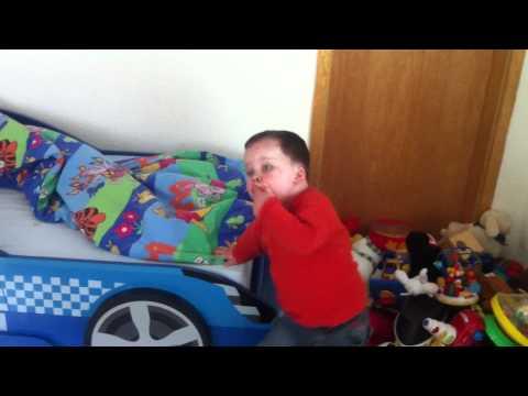 Sean und sein neues Autobett