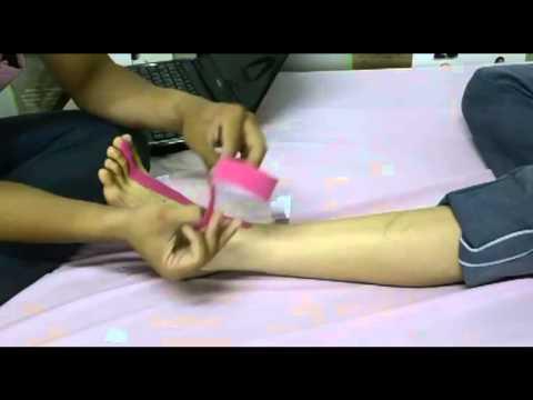 การรักษาของการกระแทกบนนิ้วหัวแม่มือขา