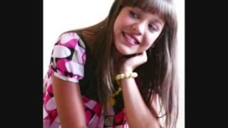 Danna Paola - De Aqui Para Alla (Letra en el video)