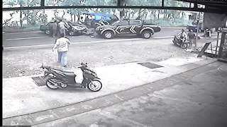 CCTV Detik - detik Tabrakan Sedan vs Mobil Polisi di Pati Jawa tengah