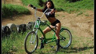Девушки на велосипедах это жесть смотрим видео тут.Трюки и падения на велосипедах.