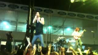 3OH!3 - I Know How To Say Live