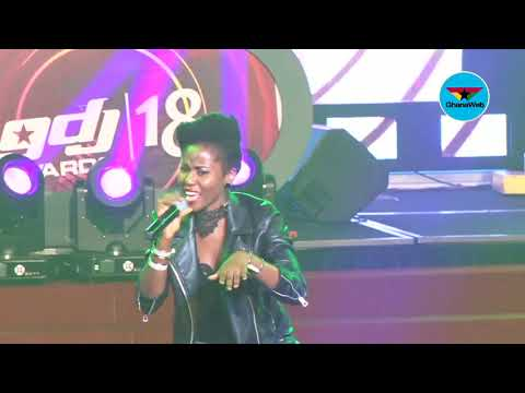 2018 Ghana DJ Awards: MzVee performs 'Come and See My Mother