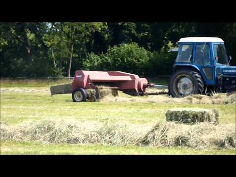 Baling with New Holland Super Hay-liner 268