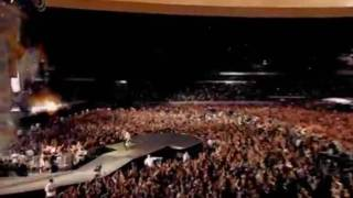 relax take it easy-Mika (live) + lyrics on screen