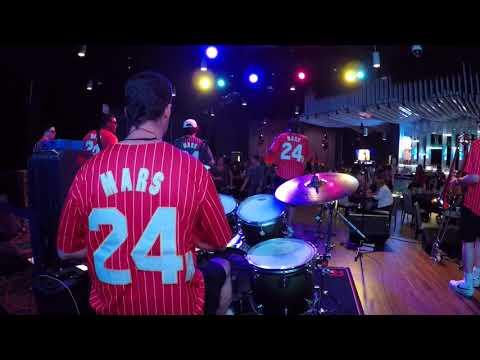 Uptown Funk: a Tribute to Bruno Mars