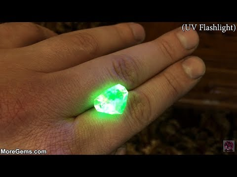 Worlds Largest Fluorescent Hyalite Opal 727 Carats