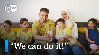 Syryjscy uchodźcy po 5 latach w Niemczech | DW Dokument-nagranie w j.angielskim