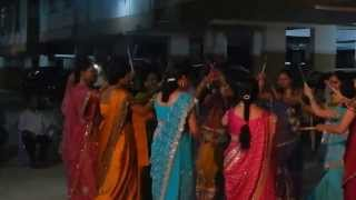 preview picture of video 'dandiya dance by disha gupta and her group'