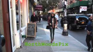 (Brand New) Taylor Swift uses NYC sidewalks as a catwalk in Soho,New York