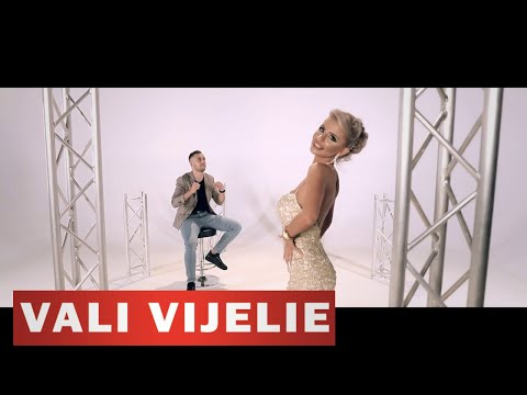 Vali Vijelie & Iulian Puiu – In talpile goale Video