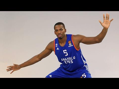 Regular Season Round 21 MVP: Derrick Brown, Anadolu Efes Istanbul