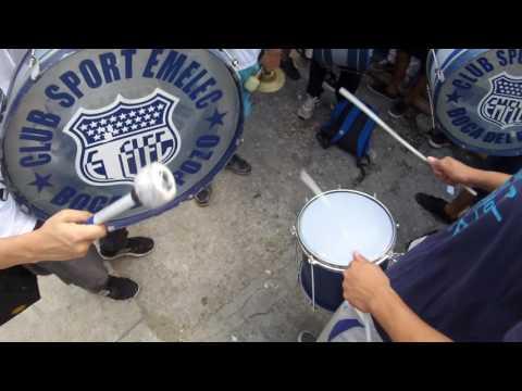 """LA BANDA DEL EMELEC,  LA DEL 2010 LA DE MUCHA MURGA Y CARNAVAL!!"" Barra: Boca del Pozo • Club: Emelec"