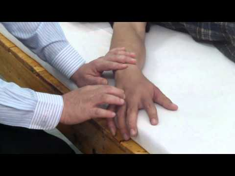 เท้า valgus ในเด็ก Komorowski