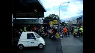 preview picture of video 'Central Plateau Scooter Challenge 2011 - Leaving Bulls'