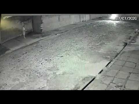 Idoso é assassinado a tiros na porta de casa por assaltante