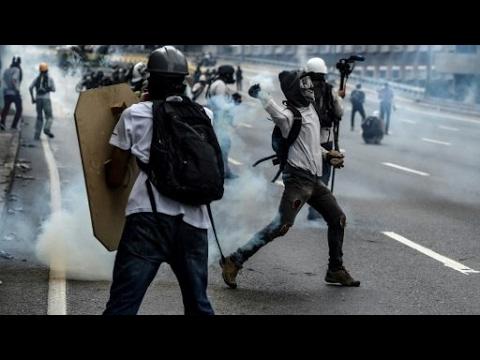 إصابات في مظاهرات جديدة بفنزويلا