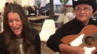 Argentina & Eliades Ochoa improvisando Lágrimas Negras en 2019