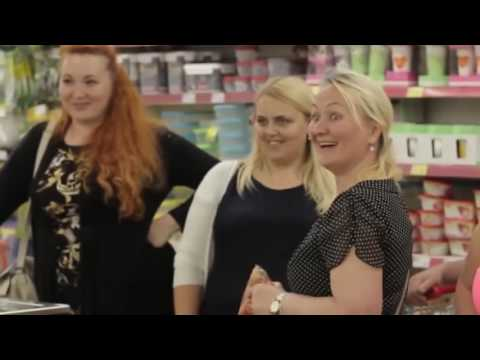 Russische Musik: Kalinka-Flashmob im Supermarkt