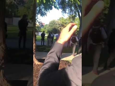 فيديو- ترامب يتحدى المتظاهرين ويخرج من تحت الأرض