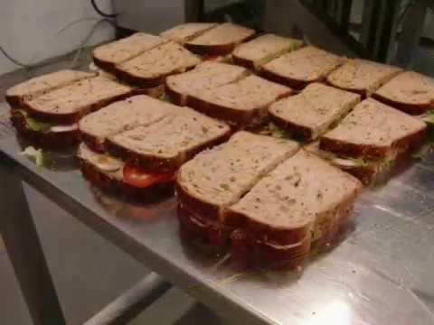 Magic Ultrasonic Cutting Machine Perfectly Slices Sandwiches In Half