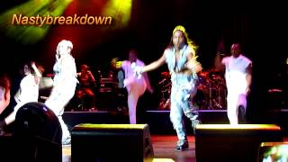 TLC - Ain't Too Proud To Beg & What About Your Friends (H.O.B.  Atlantic City 7-12-14)
