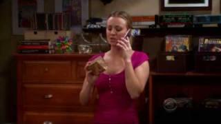 Sheldon explique comment ouvrir la boite
