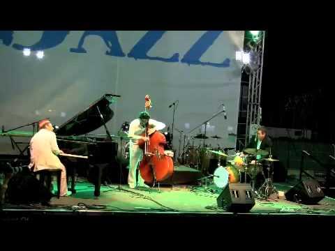 "Dubai Jazz Trio - "" A Night in Tunisia "" Afif Bros feat. Vahagn Hayrapetyan - Dubai Jazz Festival"