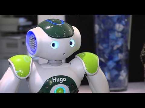 Bekijk details van Robot bedient gasten