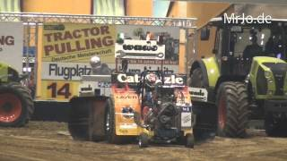preview picture of video 'Modified 950kg @ Riesa 2014 Tractor Pulling'