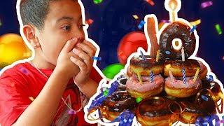 KAYLEN'S AMAZING 10TH BIRTHDAY VLOG! - MindofRez - DONUT AND MOZZARELLA STICK CAKE (FUN FAMILY TIME)
