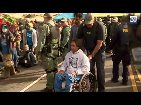 Officials in Hawaii say police have made arrests of protesters along a roadway they were blocking to prevent the construction of a giant telescope near the summit of Mauna Kea - Hawaii's highest mountain. (July 17)