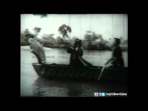 Mullai Malar Mele HD Song