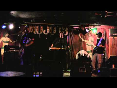 Boy Meets Ghoul Live at MOJO 13 (Part 1 of 2)