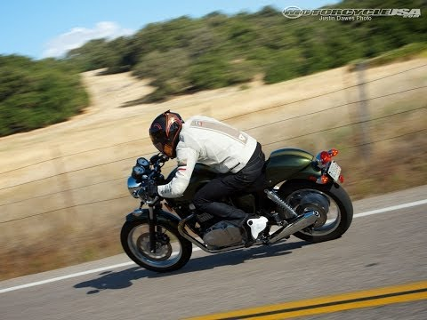2013 Triumph Thruxton 900 Vs Moto Guzzi Stone