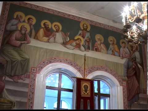 Просящие милостыню возле церквей