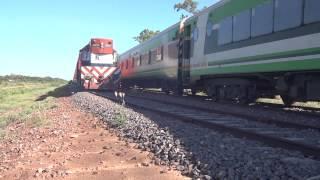 preview picture of video '9021 y 6597 se cruzan en Colonia Dora (10-01-2015)'