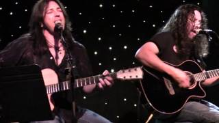 Stryper - Make You Mine (Acoustic)