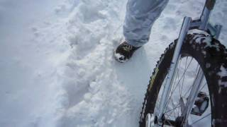 preview picture of video 'Snow Unicycling'