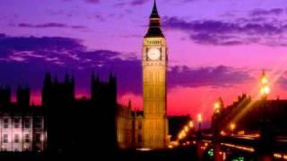 Big Ben strikes 12 (Good quality sound)
