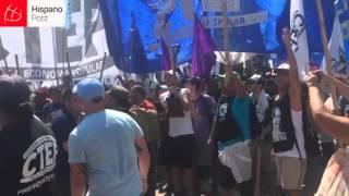 Primera gran manifestación contra el gobierno de Macri en Argentina