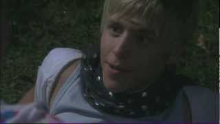 Extrait (VO): Dale and Maxxie kiss